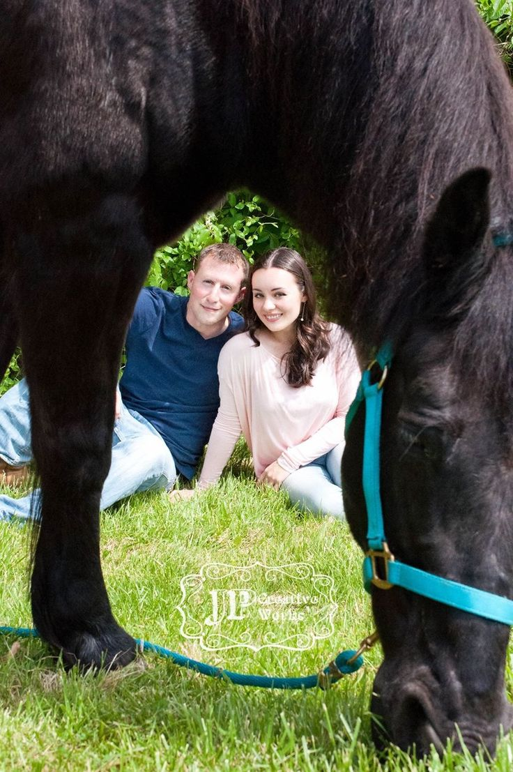 Engagement photos with a horse!