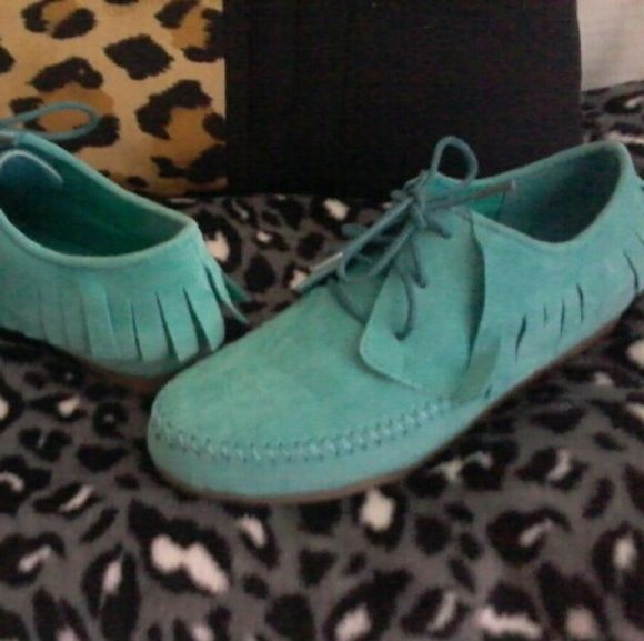 TEal suede mocassin shoes . Rarely worn. Great condition. Rarely worn ever.suede teal color. Shoes Moccasins