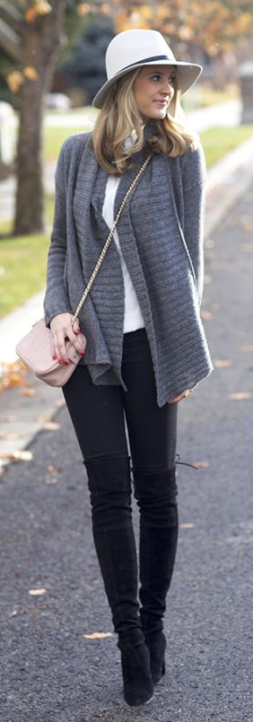Black leggings, black boots, white top, grey sweater and nude handbag and hat!!!!