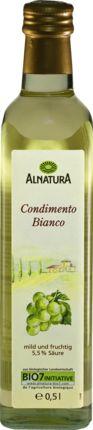 Aus Weißweinessig und konzentriertem Traubenmost wird die mild fruchtige Spezialität aus Italien, der Alnatura Condimento Balsamico Bianco, in Bio-Qualität...