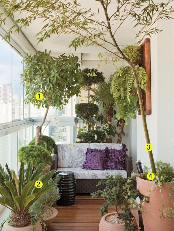 A varanda do apê tem espaço gourmet e deliciosa área verde - Casa