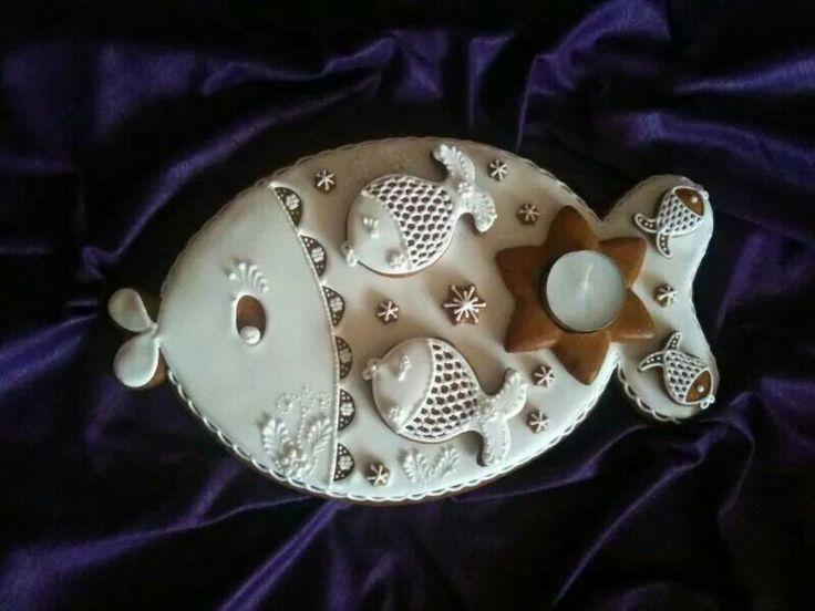Lenka Chudomelova:  Vanocni Kapr.  Highly decorated Gingerbread fish....