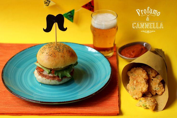 Burger #buns alla #birra con #hamburger ripieno di cheddar