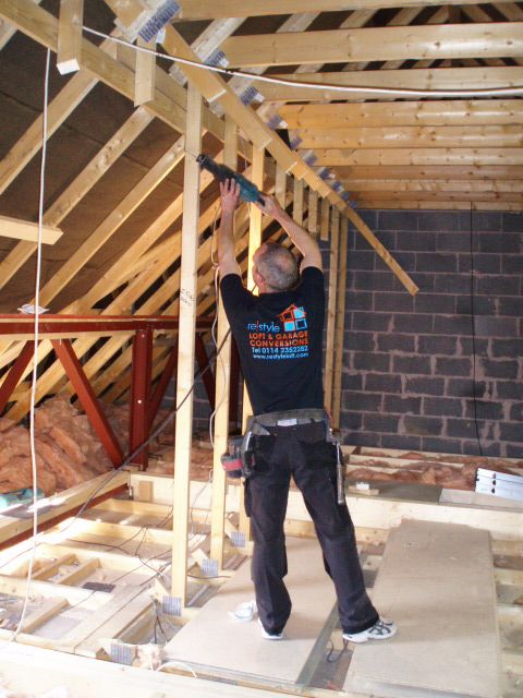 Removal Of The W Shaped Trusses Build A House Loft