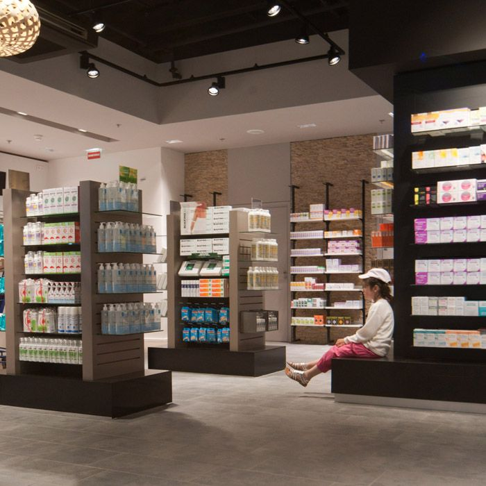 pharmacie parapharmacie centre commercial agencement pharmacie design retail beauty. Black Bedroom Furniture Sets. Home Design Ideas