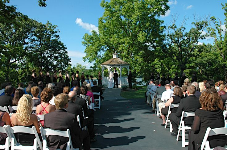 Deer Creek Weddings can turn your dreams of a special day into reality. Contact a Deer Creek Weddings Planner today to get started.