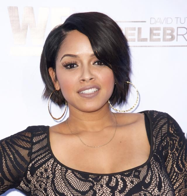 20 Great Short Haircuts for Black Women: Singer RaVaughn