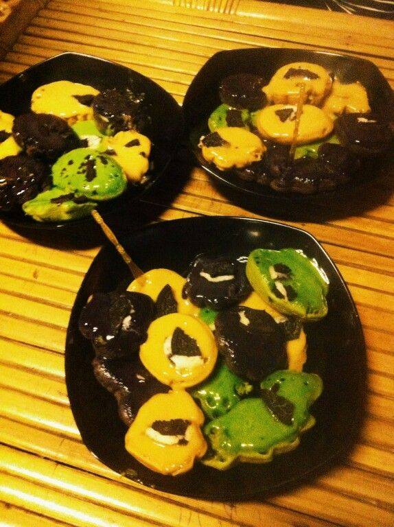 Green tea, taro, tiramisu kue cubit
