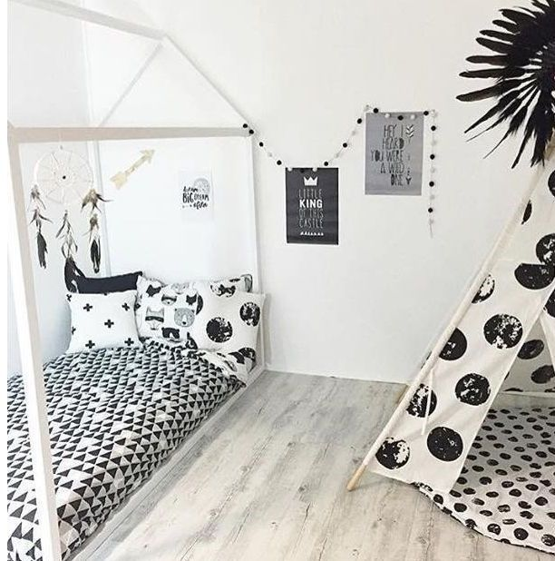 Children's bed as a house