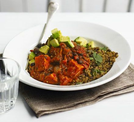 Sweet potato & black bean chilli with zesty quinoa. Full of flavour and nutritionally-balanced, this hearty chilli will keep both vegans and meat-eaters happy