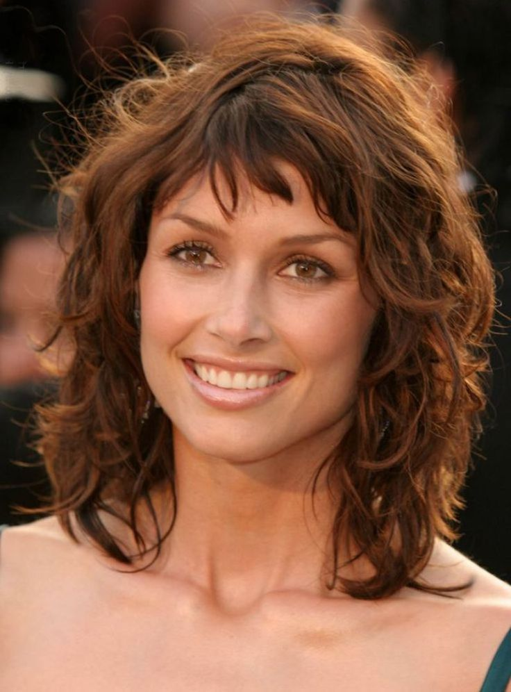 shorttomediumlengthcurlyhairstyles2015  Curly Hair