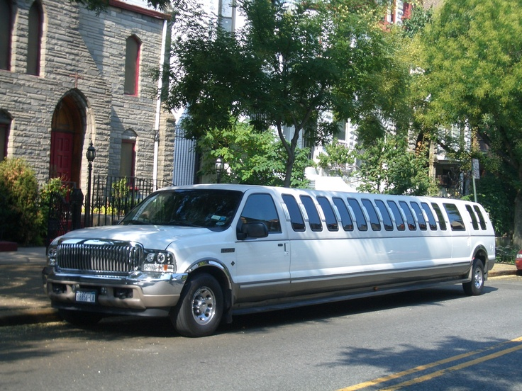 Limo ford f550 xuv t Limo Ford and Ford trucks