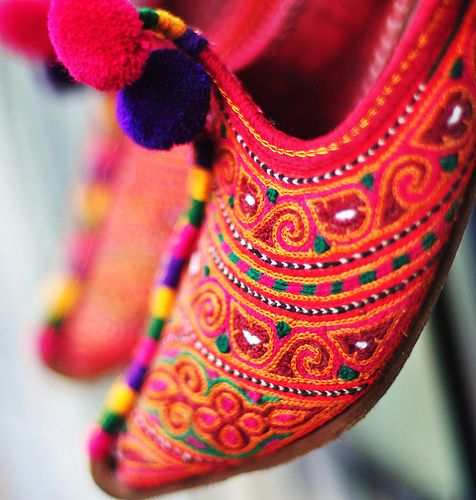 cultureofpakistan:      Khussa    These handmade leather shoes called  Khussas are exquisitely embroidered and indeed qualify as art on feet.