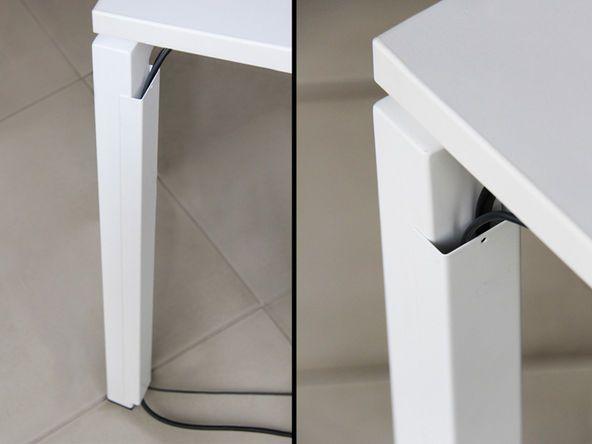 Goulotte verticale pour bureau Carbone