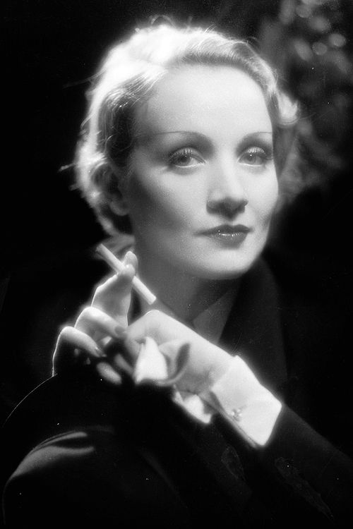 Marlene Dietrich photographed by Eugene Robert Richee, 1933.
