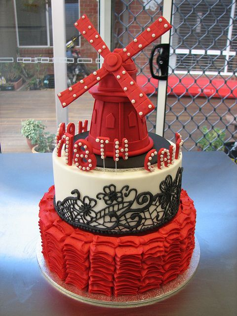 Moulin Rouge Cake by kylie.cakes, via Flickr