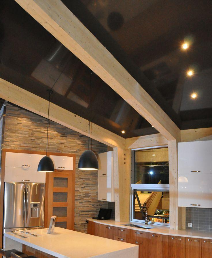 Натяжной потолок на кухне: лучшие реализации в интерьере и советы по выбору http://happymodern.ru/natyazhnoj-potolok-na-kuxne-35-foto-vybiraem-pravilno/ Natyaznyje_potolki_17
