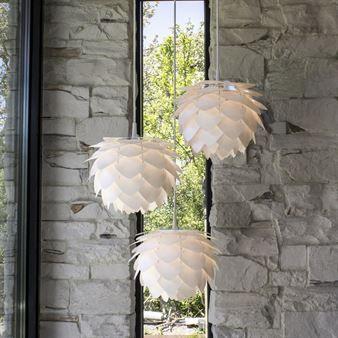 Vita Silvia Hanglampen in cluster van 3 zorgt voor stijl aan het plafond. www.gewoonstijl.nl/vita
