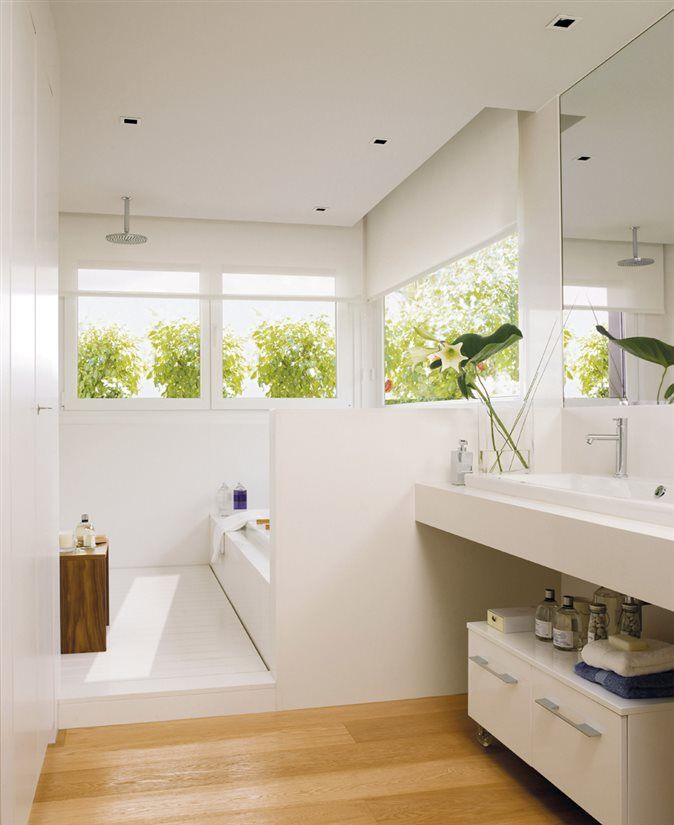Baño, lavamanos y ducha