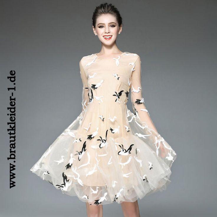 Knielanges Standesamt Kleid mit Stickereien