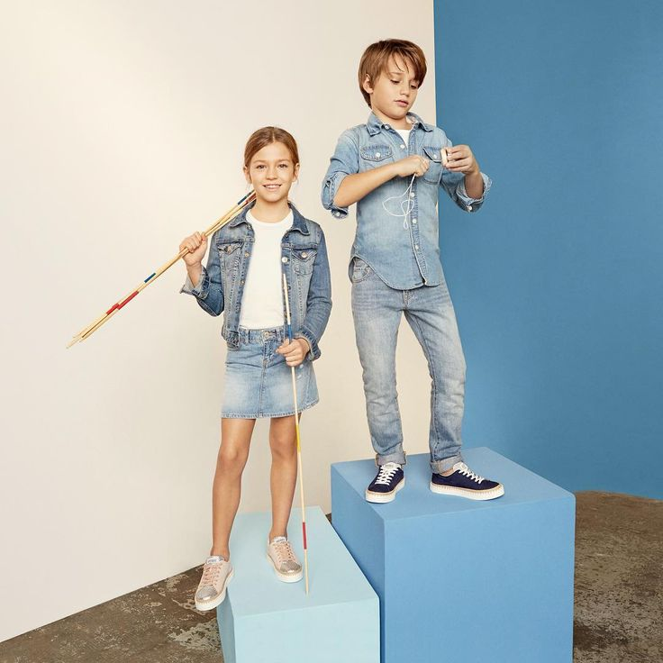 Youthful and cool spirit on the #HoganJunior Low Top #R260 boys and girls #sneakers   Join the #HoganClub #lifestyle and share with us your @hoganbrand pictures on Instagram