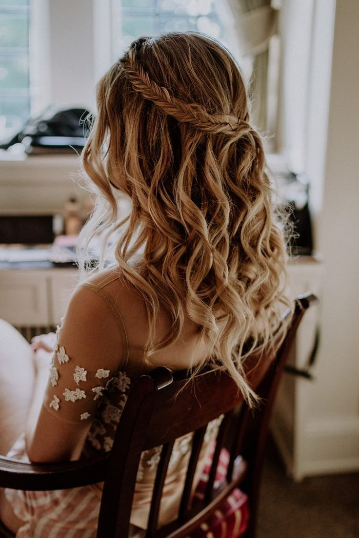 Civil Wedding At The Schlosshotel Kronberg In 2020 Hair Styles Long Hair Styles Hairstyles For Thin Hair