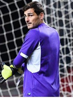 webiru: La salida de Iker Casillas