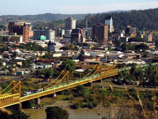 Terreno con Bodega y Oficina a la Venta en Zona Industrial  Terreno de 5.000 m2 con bodega de 1.200 m2 y oficina  ..  http://temuco-city-2.evisos.cl/cobertizos-de-madera-terrazas-santiago-y-v-region-id-587504