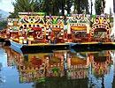 Xochimilco, Ciudad de México.  Lugar de las Flores. Viaje en una trajinera por los canales con música y comida. Paseo típico de Sábado y Domingo.  pág. web  Guadalupe Ramírez s/n