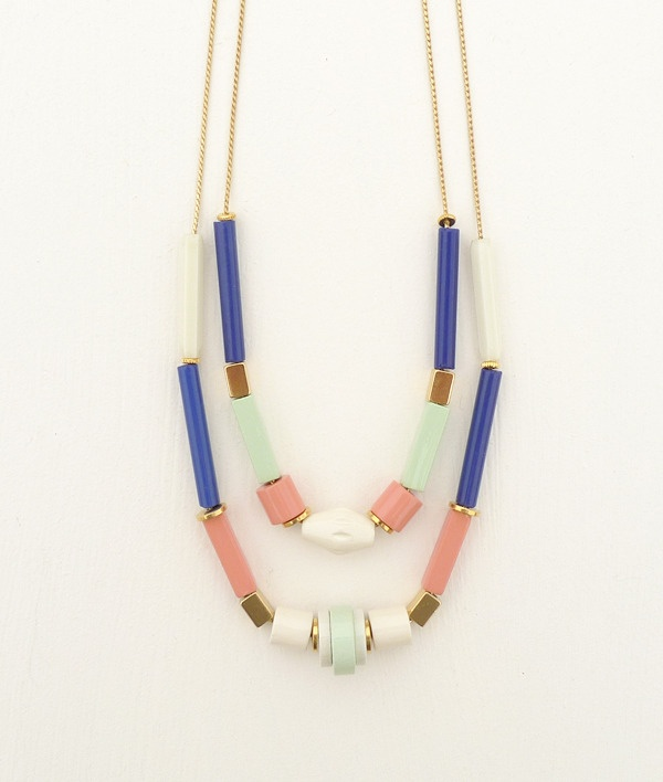 Lagos necklace by Après ski. Lacquered wood and vintage cristal beads.