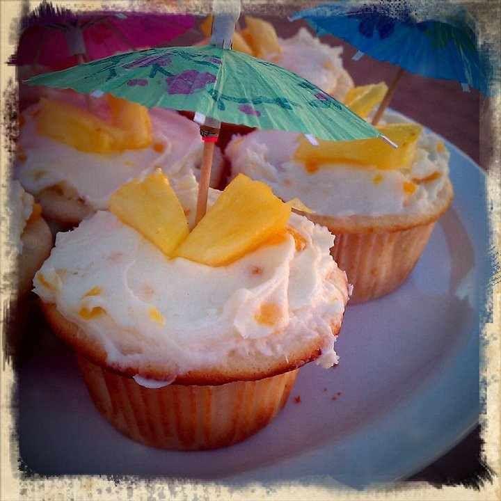 My Broken Eggshells My 18th Birthday Dinner: 16 Best Hawaii Cupcakes Images On Pinterest