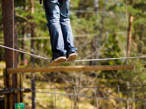 Huippua! Esse kirjoitti jutun seikkailupuistoista. http://www.valomerkki.fi/aiheet/kaupunki/suomessa-uusi-juttu-muualla-jo-tuttu