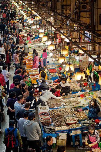 Noryangjin Fish Market, Seoul, Korea by Belle Nachmann, via Flickr