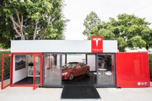 Tesla to Roll Out Mobile Stores