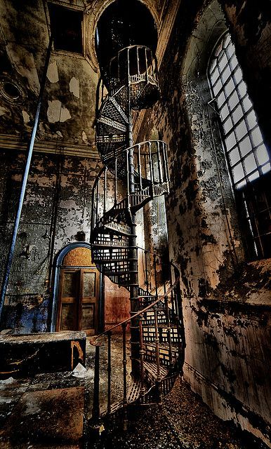 Old spiral staircase  Repinned by www.silver-and-grey.com