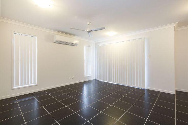 Crest 220 - Living room
