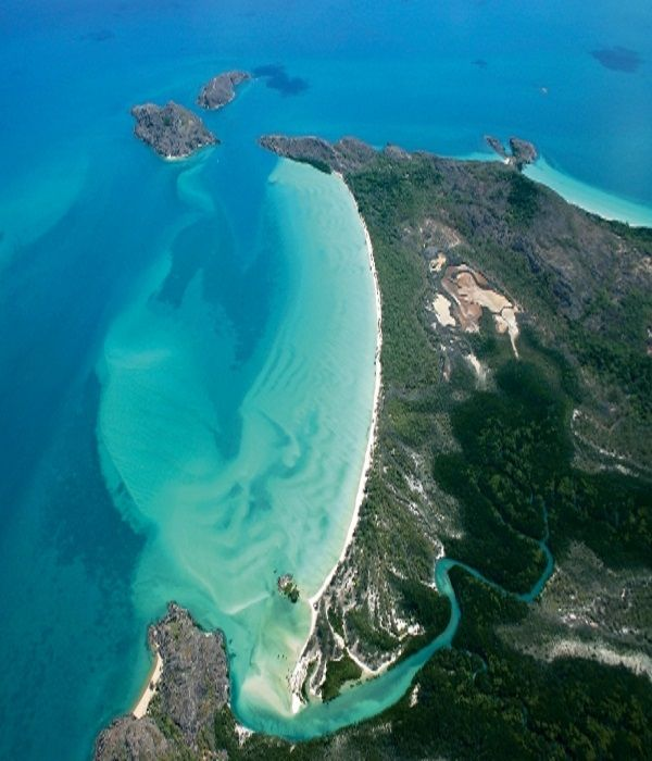 Frangipani Beach Cape York, Queensland http://101bestbeaches.com/beaches/queensland/frangipani-beach