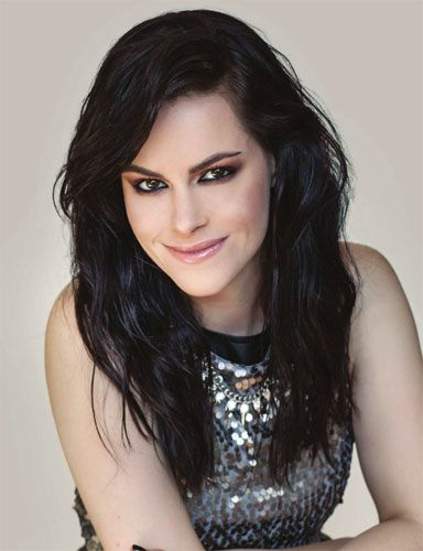 Emily Hampshire Interview Behind The Scenes With eTalk