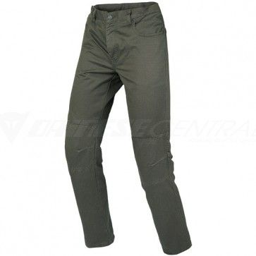 Comfortable, practical and stylish, new Kansas 1C trousers were designed to guarantee protection and safety even when wearing a fashionable item of clothing.