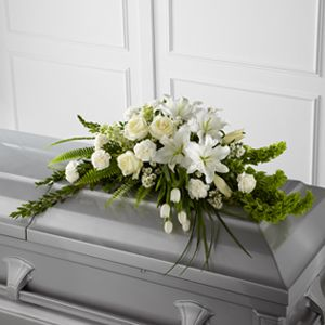 La Gerbe de cercueil Résurrection™ de FTD®                                                                                                                                                                                 Plus