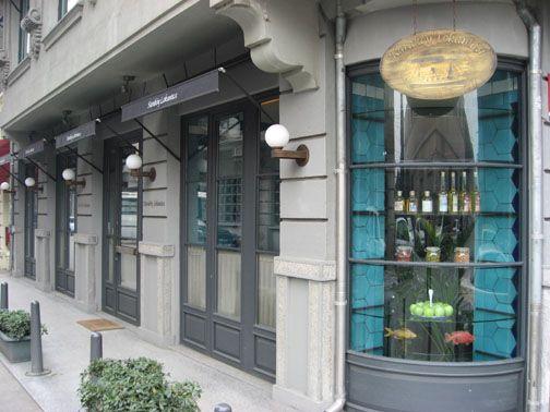 Karaköy Lokantası. Akşam meyhane olayıda ayrıca güzelmiş.