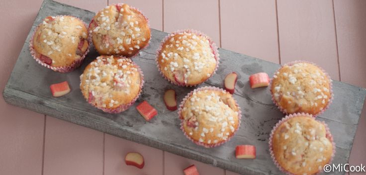 Rabarbermuffins - MiCook  Ik heb ze net gemaakt en ze zijn echt overheerlijk!!!