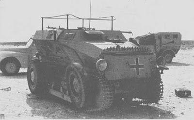 ADMK Mulus (Sdkfz 254)  Este semioruga de origen auntriaco fué diseñado a mediados de los años 30, producido en 1935, tenia un diseño muy singular ya que podía contar con las ruedas o las orugas para moverse según el tipo de terreno. Tambien paso a formar parte del ejercito alemán pasando a denominarse Sdkfz 254    Origen:Austria Peso: 1.56 tons Motor: Daimler, air-cooled 4 cylinder @20 hp Velocidad máxima: con orugas 10 mph/ y con ruedas 27 mph  Rango operacional: 450 km