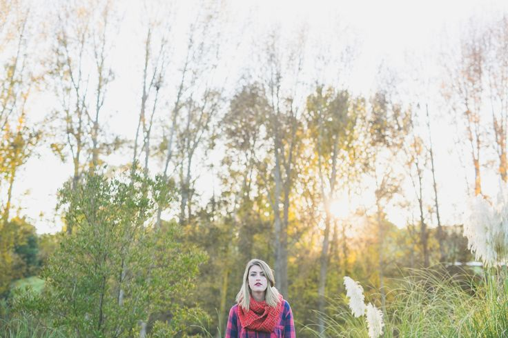 A few mornings ago the lovely Melody from Letfus Photo and I got up before sunrise and did a portrait session in the beautiful autumn colours of the Hawkes Bay, New Zealand. Man was it a stunning m…