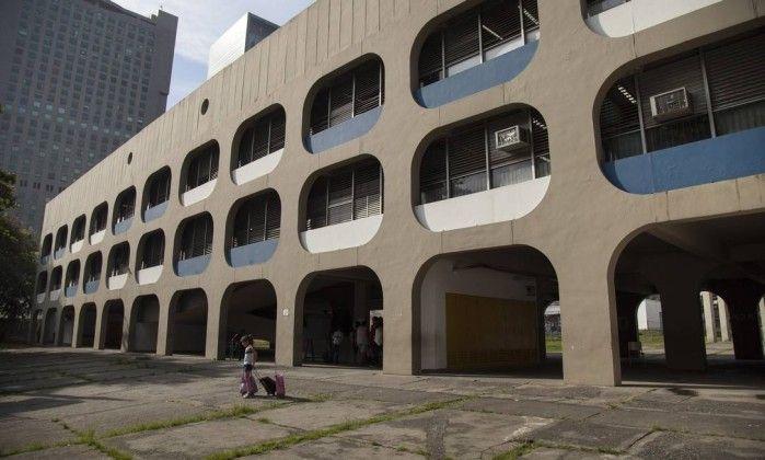 Desenhados por Oscar Niemeyer, os traços dos CIEPs fizeram escola mundo afora - Jornal O Globo