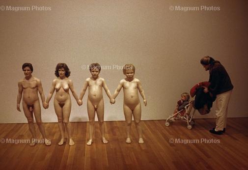 USA. New York. Manhattan. 1994. Museum of Modern Art. Charles Ray sculpture, Family Romance.