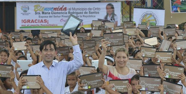 Imagen de Primera Dama de la Nación y Ministro TIC entregaron tabletas en Putumayo
