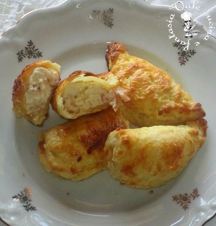 panzerotti di ricotta e prosciutto cotto,ricetta veloce adatta per un antipasto oppure un buffet