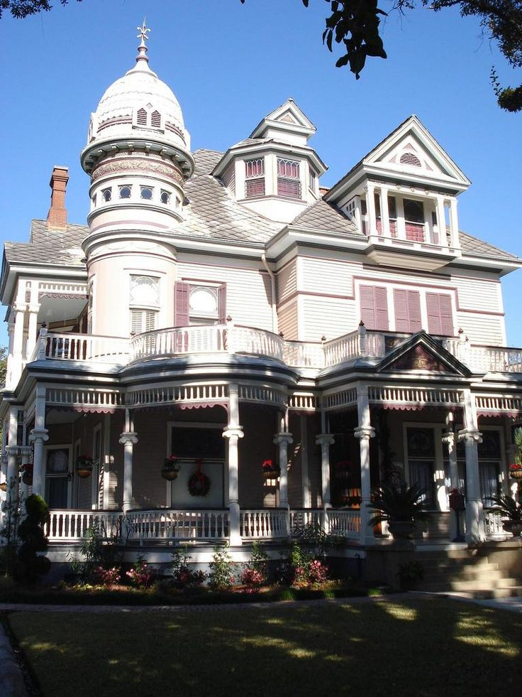 #Plantation Home - Mobile, Alabama # Travel Alabama USA - multicityworldtravel.com We cover the world over 220 countries, 26 languages and 120 currencies Hotel and Flight deals.guarantee the best price