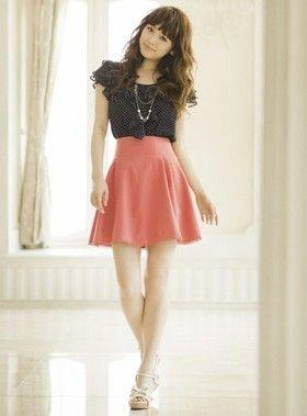 トップスをインすることでスタイルアップ効果◎ ハイウエストスカート・パンツ スタイル ファッション コーデ♪